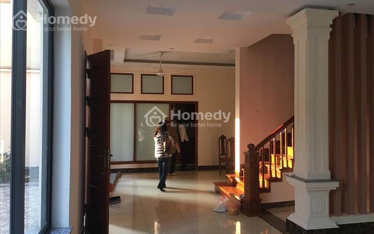 Cho thuê biệt thự vị trí đẹp là văn phòng, công ty tại khu đô thị Việt Hưng, 250m2, 25 triệu/tháng