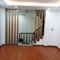 Chính chủ cần tiền bán gấp nhà đẹp 5 tầng, diện tích 40m2, ở Ngã Tư Sở, full nội thất