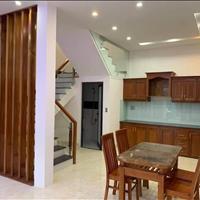 Bán nhà gấp Nguyễn Thị Lắng, giá 1 tỷ, 60m2, liên hệ gặp Trúc
