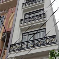 Chính chủ bán nhà mới xây 5 tầng, tầng 1 kinh doanh và ô tô đỗ cửa