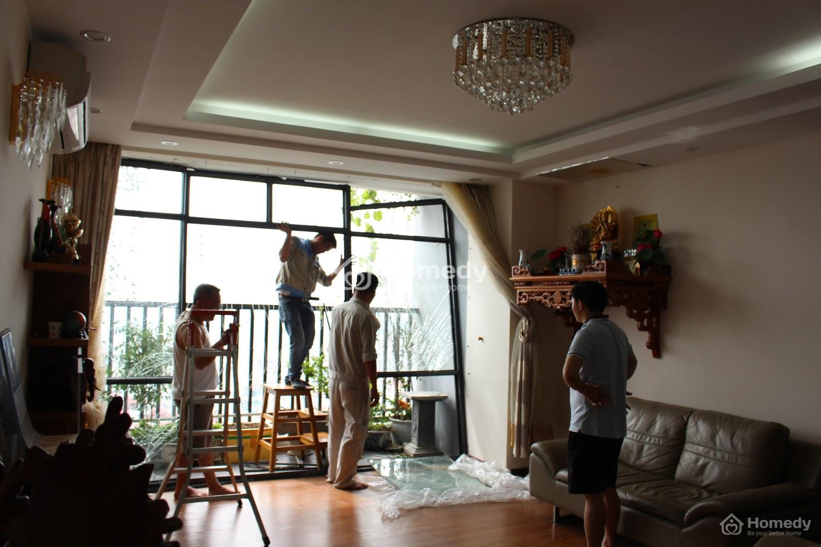 Chuyện thật như đùa, chủ nhà khốn khổ vì… trót sửa nhà quá đẹp!