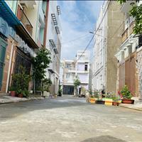 Bán nhà 3 lầu trong khu dân cư Hưng Phú, giá tốt dễ đầu tư, nhà mới xây SHR, đường 12m có vỉa hè