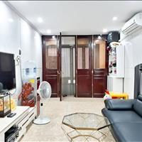 Bán căn nhà 4 tầng, 36m2 nội thất đẹp ngõ Văn Chương - 221 Tôn Đức Thắng gần hồ Văn Chương