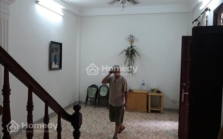 Bán nhà riêng ngõ 210 Đội Cấn, Ba Đình, diện tích sổ 50m2, giá 4,05 tỷ