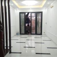 Chính chủ bán nhà ngõ 67 Văn Cao, Ba Đình, 38m2 x 4 tầng, sàn gỗ, cầu thang gỗ, 4,3 tỷ
