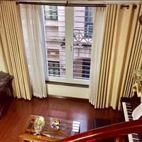 Nhà Lạc Long Quân 5 tầng, 30m2, tiện kinh doanh, giá 2.85 tỷ