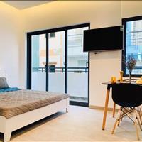 Căn hộ mini đầy đủ tiện nghi, 1 phòng ngủ ban công cửa sổ lớn sát vách quận 1 giá chỉ từ 7-10 triệu