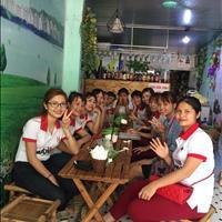 Sang nhượng quán giải khát tại 88 Tả Thanh Oai, đối diện nhiều trường học
