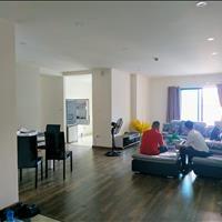 Bán căn hộ tòa R2 Goldmark 136 Hồ Tùng Mậu 123,6m2, 3 phòng ngủ, 2 WC, ban công Đông Nam