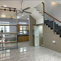 Nhà cho thuê nội thất cơ bản - vòng xoay Liên Phường - tiện ở hoặc làm công ty - 4 phòng ngủ 4 wc