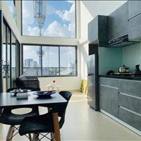 Căn hộ mặt tiền mới xây, 2 phòng ngủ, ban công, đầy đủ nội thất, bàn giao như hình 100%