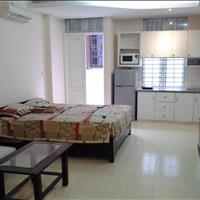 Cho thuê chung cư full đồ 45m2, có ban công, giá  chỉ 5 triệu/tháng, ở Chùa Láng, đường Láng