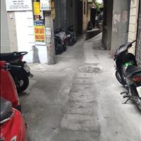 Bán nhà 3 tầng x 30m2 ngõ phố Trần Khát Chân giá rẻ