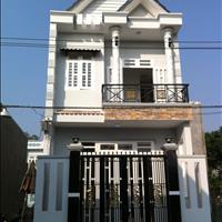 Bán nhà riêng mặt tiền Nguyễn Ảnh Thủ, Hóc Môn, 150m2, sổ hồng riêng
