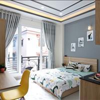 Căn hộ full nội thất gần ngã tư Phú Nhuận có balcony