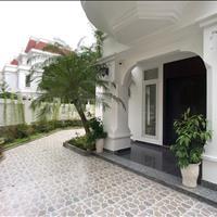 Cho thuê biệt thự góc sân vườn, siêu đẹp, đẳng cấp tại Ciputra, 300m2, 4 phòng ngủ