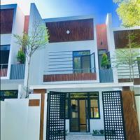 Cần bán nhà 2 tầng mới xây - có sân vườn rộng - thoáng mát