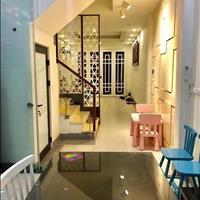 Bán gấp nhà đẹp 40.5m2 x 5 tầng, mặt tiền 4m, lô góc, giá 3.5 tỷ, ngõ 8 Võng Thị, Tây Hồ, Hà Nội