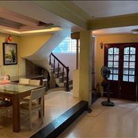 Cho thuê nhà tại Trần Duy Hưng, nhà có nội thất ô tô vào tận cửa