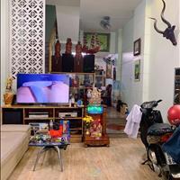 Bán nhà 2 mặt hẻm đường Phạm Văn Bạch, phường 15, quận Tân Bình, 4m x 14m