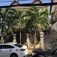 Bán biệt thự sân vườn 3 lầu khu VIP đường Nguyễn Văn Linh quận 7, diện tích đất 493m2, giá 44,9 tỷ