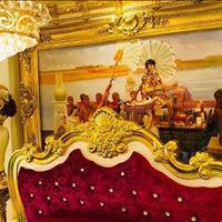 Bán biệt thự 4 lầu phong cách Hoàng gia dát vàng 18k của nam vương tại quận 7, giá 18,9 tỷ