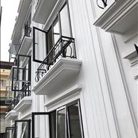 Quá rẻ chỉ với 2,3 tỷ có nhà riêng 35m2, 4 tầng 4PN cuối đường Nguyễn Khuyến - sát KĐT Văn Quán HN