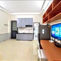 Căn hộ 1 phòng ngủ, 1 bếp riêng, đầy đủ nội thất, cửa sổ ban công thông thoáng, phòng mới, giá rẻ