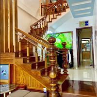 Nhà 2 tầng ngay trung tâm Huế - Giá chỉ 2,x tỷ - Nội thất gỗ xịn