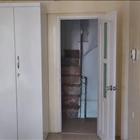 Nhà mặt phố 81 Lê Hồng Phong cho thuê phòng trọ chỉ 4 - 4.8 triệu/tháng, phòng 25m2