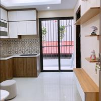 Chủ đầu tư bán CCMN Chùa Láng 35-51m2 (1- 2PN) view hồ, ô tô đỗ 30m, ở ngay, tặng bộ nội thất