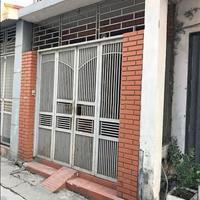 Cho thuê nhà đẹp rộng 100m2, có 3 phòng, ở được đông người, gần chợ 208 Hùng Vương