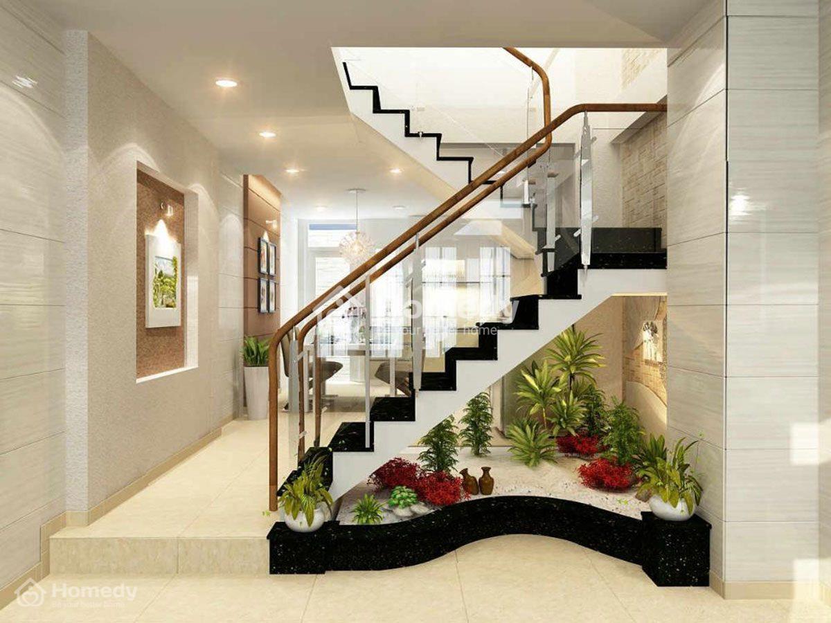 Tận dụng gầm cầu thang làm tiểu cảnh