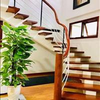Gia đình cần bán nhà 3 tầng ở TP Vinh - Nhà đẹp khuôn viên rộng rãi, giá hơn 2 tỷ bao thủ tục
