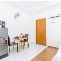 Cho thuê căn hộ dịch vụ tone trắng sang chảnh, full nội thất, Cách Mạng Tháng Tám quận 10