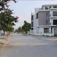 Chính chủ bán căn liền kề đường 13m, hướng Đông Nam, gần công viên đài phun nước