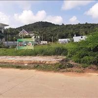 Đất Cây Thông Ngoài ngay khu biệt thự, cách Nguyễn Trung Trực 500m sổ hồng riêng