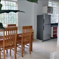 Căn hộ cho thuê ngay sân bay Tân Sơn Nhất đường Phổ Quang 1 phòng ngủ, 1 phòng khách, bếp riêng