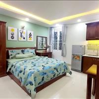 Căn hộ mới toanh full nội thất ngay kênh Nhiêu Lộc