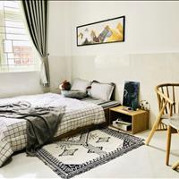 Toà nhà căn hộ dịch vụ 42 phòng 43 wc, có gác, bếp, xây dựng kiên cố, hẻm xe hơi