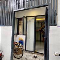 Cần bán nhà gấp 1 trệt 1 lầu đúc, 2 phòng ngủ, có ban công, Đội Cung phường 11 quận 11