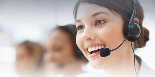 Tư vấn cho khách hàng qua điện thoại