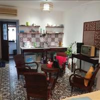 Bán căn chung cư cũ 2 phòng ngủ đường Trần Hưng Đạo - Hoàn Kiếm, giá 3.7 tỷ
