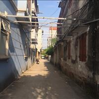 Bán gấp ô đất trong ngõ đường Ngô Xuân Quảng, ô tô vào nhà thoải mái