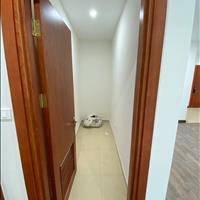 Tìm thuê căn hộ 3 phòng ngủ nội thất cơ bản diên tích rộng giá tốt
