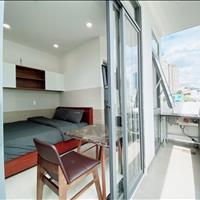 Hạ giá căn hộ cao cấp nằm cạnh Vinhomes Central Park, full nội thất ở Bình Thạnh