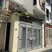 Cho thuê nhà hẻm xe tải đường Lê Văn Sỹ, Phường 13, Quận 3. 4,2x18m, 23 triệu