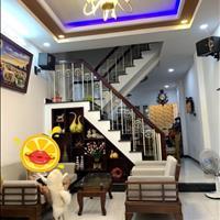 Bán nhà Lạc Long Quân, 3.8x12.5m, Tân Bình, 48m2, 2 tầng giá chỉ 5.4 tỷ thương lượng