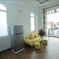 Căn hộ 1 phòng ngủ và 2 phòng ngủ rất mới đẹp ở biệt thự đường Nguyễn Trọng Tuyển