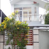 Gia đình kẹt tiền cần bán gấp nhà 5,5  x  20m 1 lầu - sổ hồng riêng, đường nhựa ô tô vào thỏa mái